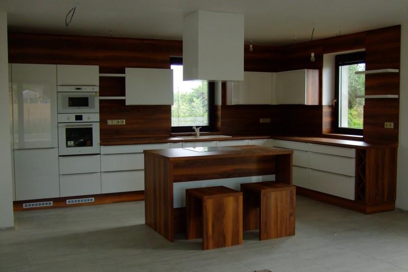 Kuchynska linka l1