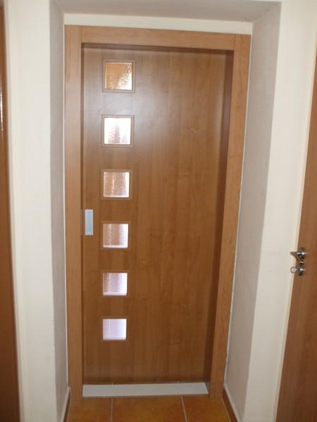 Dvere b1